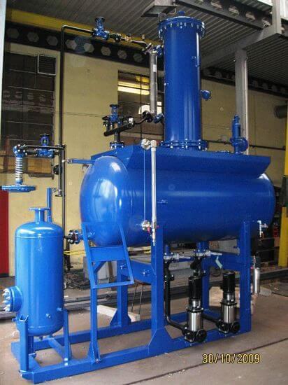 Zintegrowana stacja przygotowania wody z koluman odgazowujaca